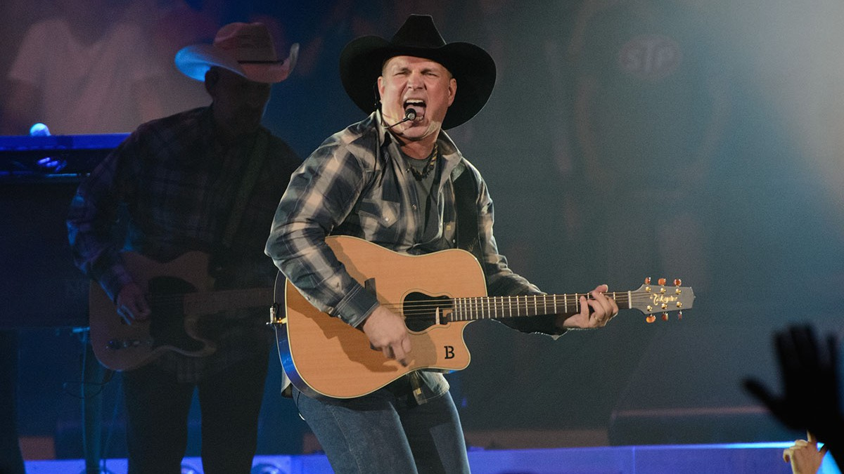 Garth Brooks – $280 Million